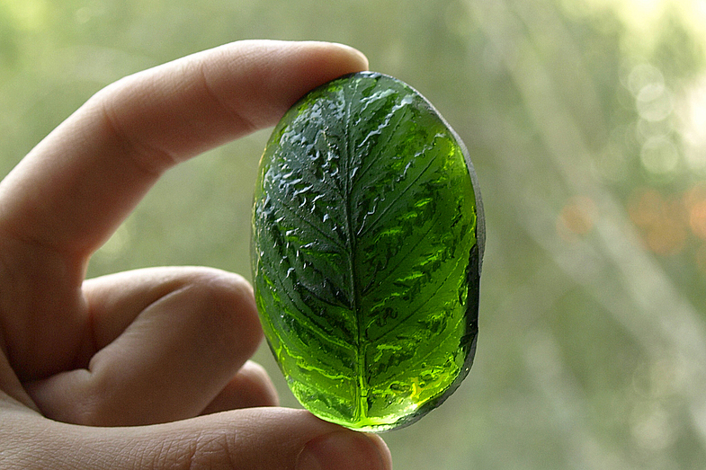 Chrysolite in lithotherapy