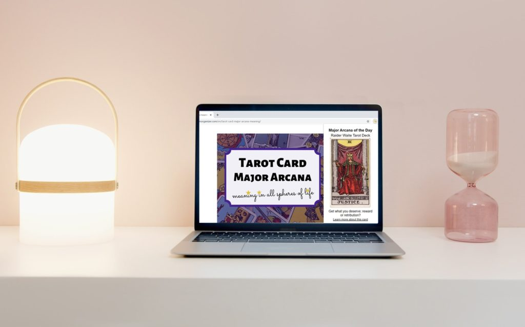 Tarot Arcana Chrome extension